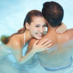 Romantic-couple-in-Hot-Tub