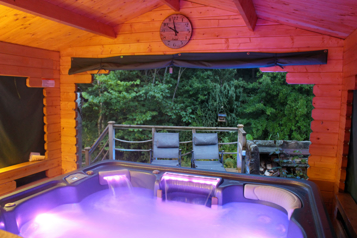 Lake District Cottage Hot Tub